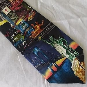 "Men's Museum Artifacts ""I ❤️ NY"" Silk Necktie"
